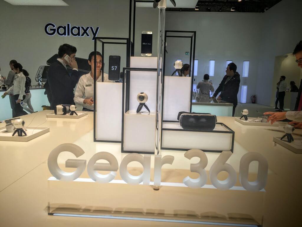 Samsung-virtual-reality-mobile-world-congress-2016