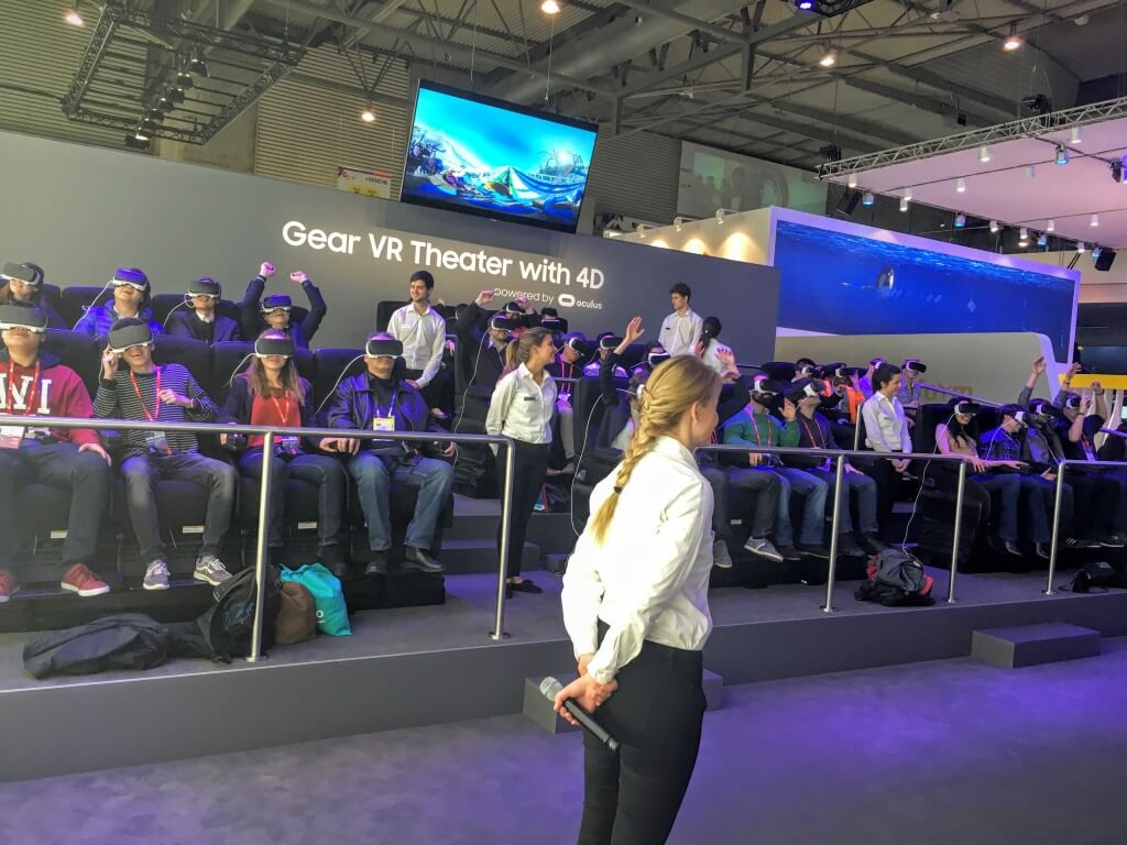 samsung-virtual-reality-roller-coaster-mwc16