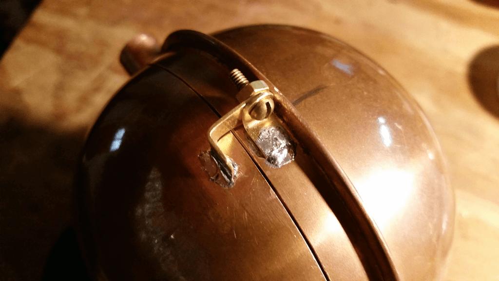 Back side lip and door hinge detail