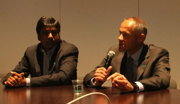 Left to right: HPE SVP/GM for Storage Manish Goel; HPE SVP/GM for Data Center Infrastructure, Ric Lewis