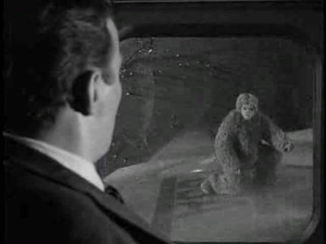 There's a gremlin on the wing of the plane - William Shatner in The-Twilight-Zone-Nightmare-at-20000-Feet-Bob-Wilson-12