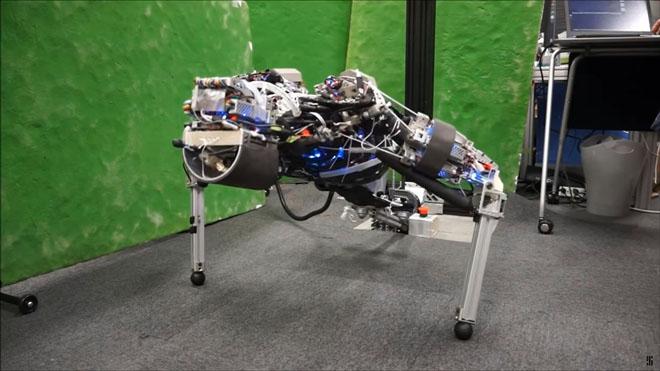 kengaro-robot-sweat-1