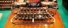 typewriters-345699_640